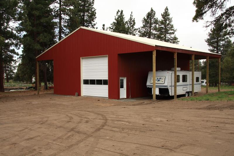36' x 48' Pole Barn w/ 2-14' Wings